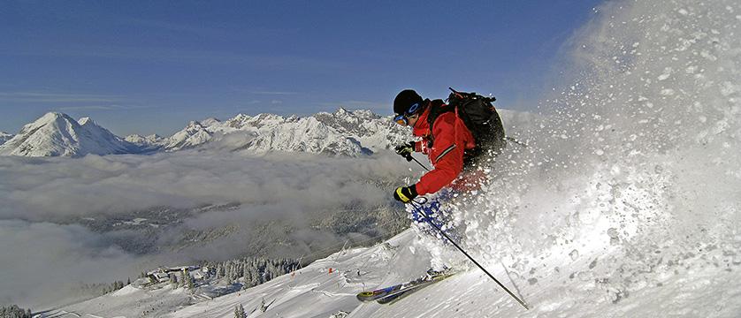 Austria_Seefeld_skier-snow.jpg